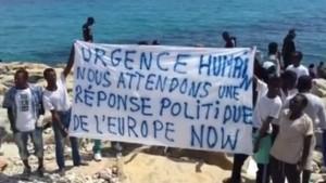 migranti-Ventimiglia-striscione